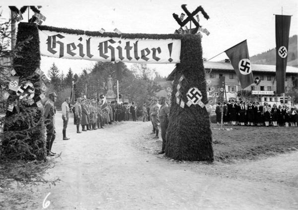 Am 26. Oktober 1938 wird Jungholz vom Gau Tirol-Vorarlberg abgetrennt und zum Gau Schwaben geschlagen.